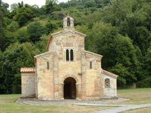 L'église préromane San Salvador.