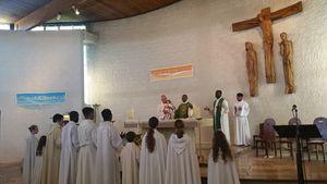 Pendant la Messe d'accueil du P.Daleb