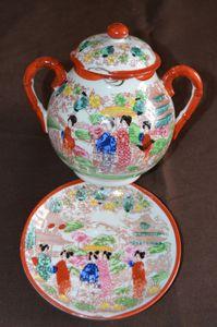 Service à thé asiatique en porcelaine