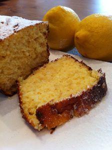 Gâteau mouillé aux citrons entiers