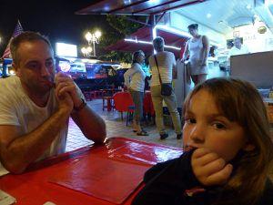 1ère vrai sortie en famille: dîner aux roulottes