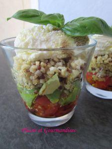 Verrine quinoa/avocat/tomate/ricotta