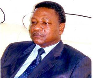 Kignoumbi  Kia Mboungou voit le danger et s'érige en sapeur pompier