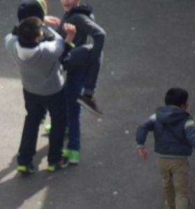 Victime de harcèlement de rue en provenance de l'école.