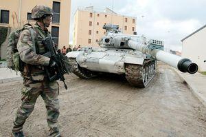 L'armée française se prépare à la guerre civile sur le territoire national