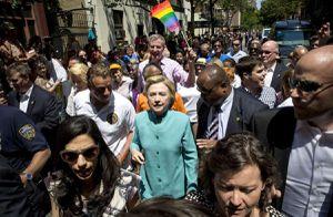 L'infâme Hillary Clinton défile à la Gay Pride de New York