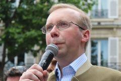 Egorgement d'un prêtre en France – Notre Sainte Colère