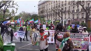 Afrique, France.  Des africains de France dénoncent la françafrique, la re-colonisation. Vidéo, 7 minutes.