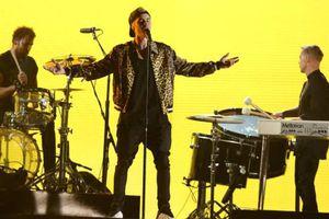 Performance de Justin Biebers aux Grammy Awards le 15 février 2016