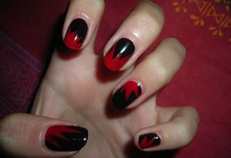 Nail Art Explosion Red // Black