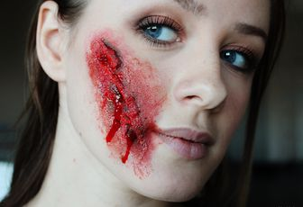Tutoriel Halloween : Maquillage Zombie