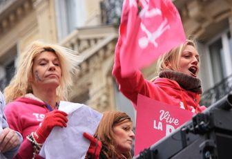 Avec l'UMP : la manif «anti-mariage» gay du 24 mars devient politique.
