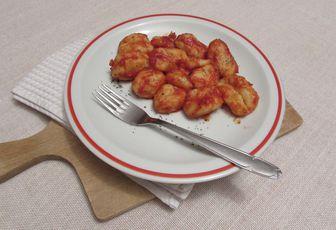 Gnocchis à la Niçoise (sauce tomate aillée et basilic)