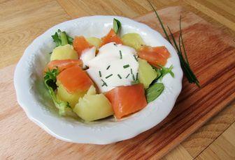 Salade de pommes de terre, truite fumée & crème légère