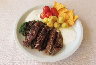 Assiette romsteak lentilles & sauce légère