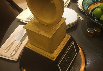 Tiësto: Thank you @MGMGrand for putting Grammy cake