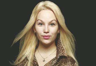 Stina, la Finlandaise qui chante en kabyle, nous dit tout