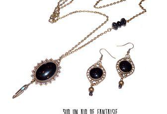 Parure sautoir + boucles d'oreilles, cabochon noir, bronze.