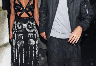 """NEWS/ Robert Pattinson fait tout pour mettre sa fiancée FKA Twigs """"à l'aise"""" alors que le mariage s'organise"""