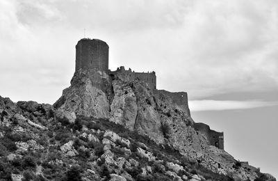 Sur le sentier Cathare : le château de Quéribus