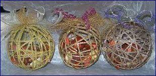 Natale e tutorial per i bambini: come fare palline e decori