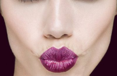 How to Wear Purple Lipstick
