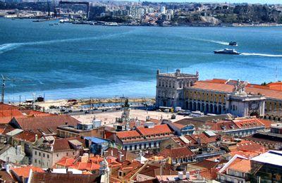 Lisbona, itinerario a filo d'acqua nella capitale portoghese