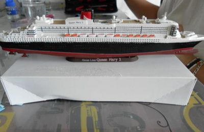 Queen Mary 2  1:1200