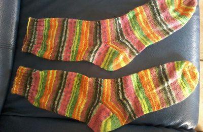 Et voici une paire de chausettes
