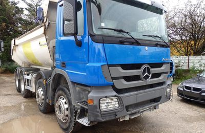 Camion MERCEDES ACTROS 3241 8x4 Benne
