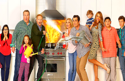 """MODERN FAMILY 