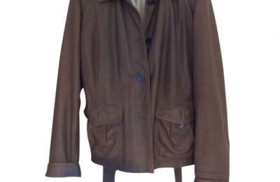 Veste en cuir Weekend Max Mara 95€