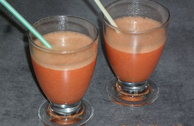 Smoothie fraises-banane-orange