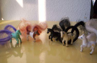 Les Mini Pouces (Cutie Club)