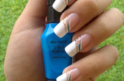 Nail Art Facile : French en biais + petit freestyle :)