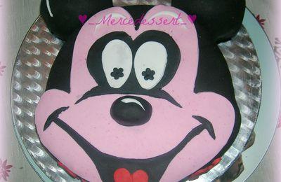 Gâteau Mickey en pâte à sucre