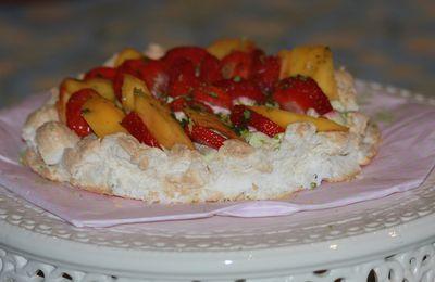 Pavlova fraises-mangue et chantilly thé matcha