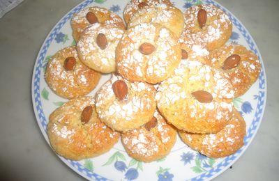 ghouribas aux amandes et à la noix de coco
