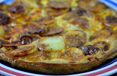 Frittata de pomme de terre et chorizo, comme une tortilla de patatas cuite au four