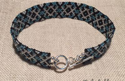 Bracelet en perles miyuki bleu, blanc et noir