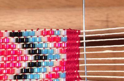 Tuto en images pour finir un bracelet de perles au métier à tisser