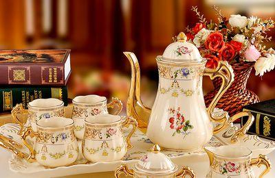 Services à thé (2) أطقُم شاي رائعة
