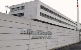 Le Parisien: Polémique chez Air France.