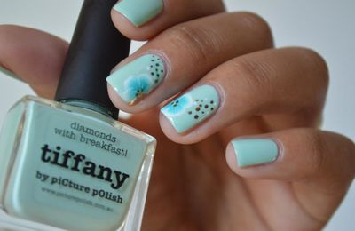 [nail art] One stroke sur Tiffany de PP