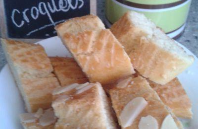 Les croquets (biscuits algériens)