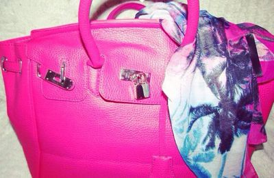 TAG :What's in my Bag & Mon nouveau sac Rose Bonbon