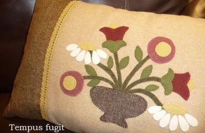 Coussin fleuri