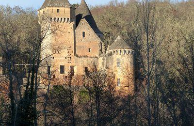 Le château de Laussel dans le Périgord