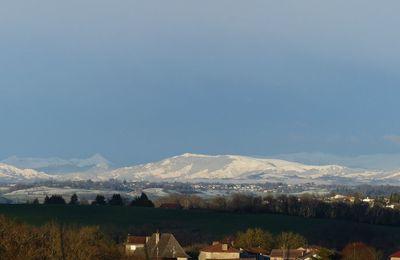 Le massif du Cantal sous la neige