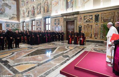 Le Pape appelle les prêtres à fuir«la peste du carriérisme ecclésiastique»